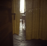 RUSSIA / St.Petersburg / July 2007 / Interior of a communal appartment. Most communal appartments have been created in pre-Soviet residential buidings, many of them have never been renovated since they were built in 19 - early 20 centuries.  